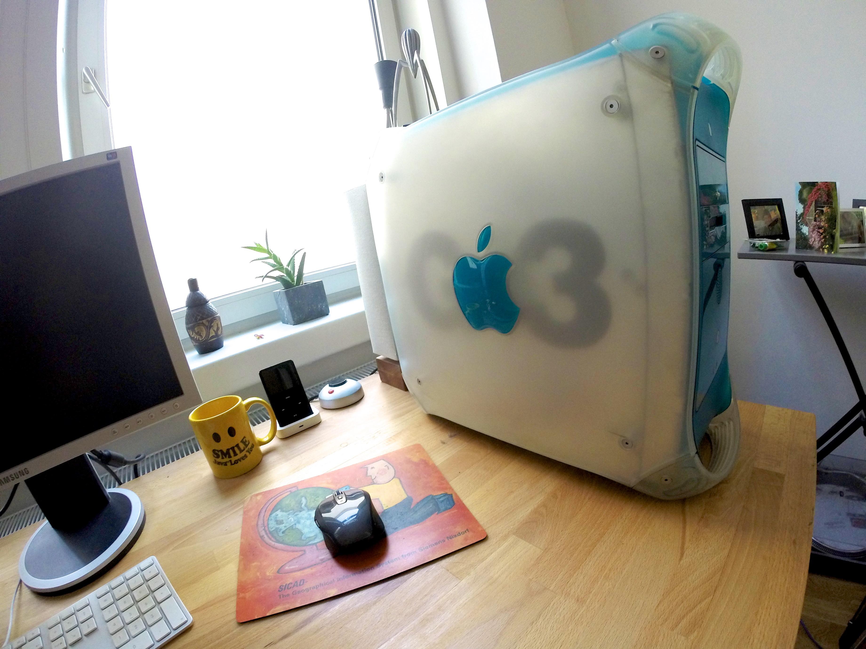 New Workstation: PowerMac B&W G3 Hackintosh – andremotz com